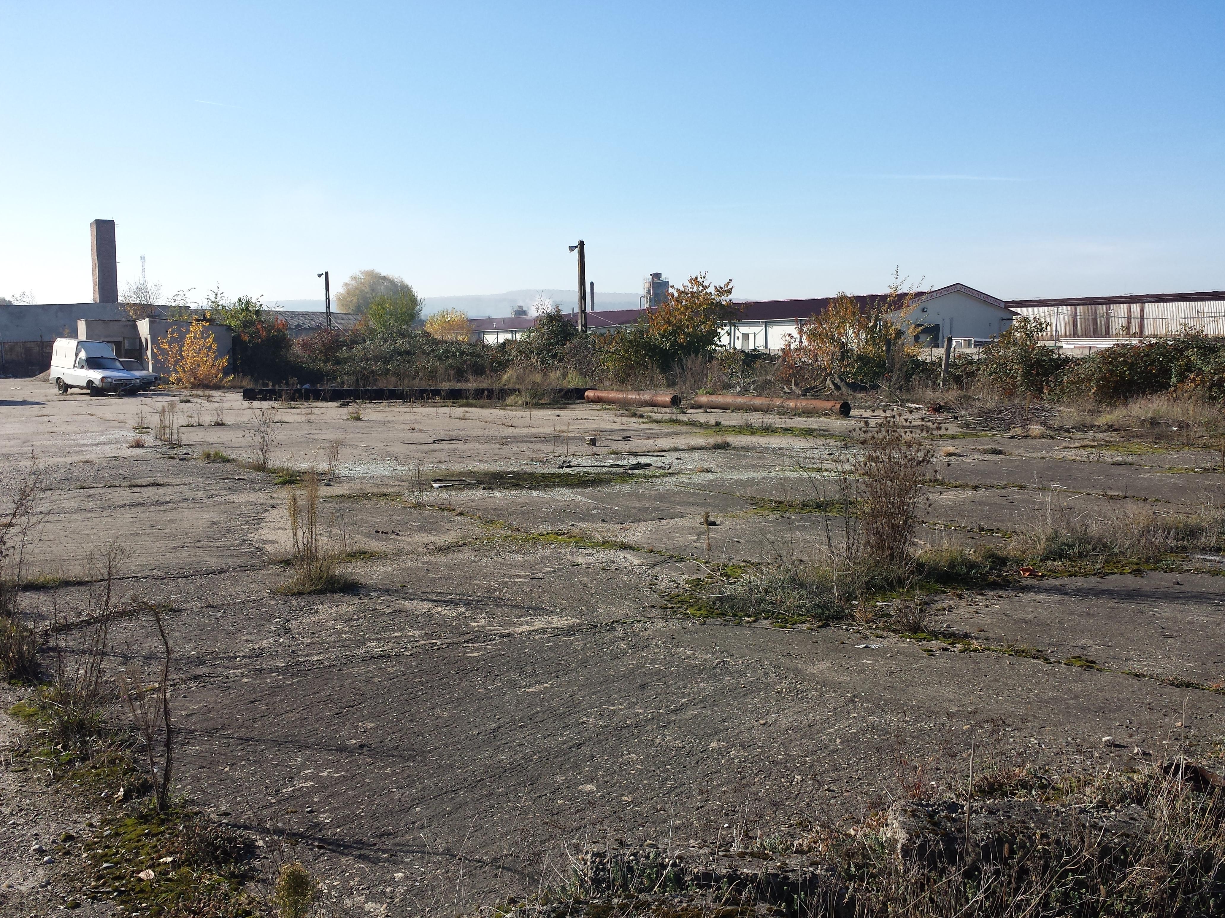 Amplasament Industrial - Crișeni - teren în suprafață de 27.834 mp cu construcțiile aferente