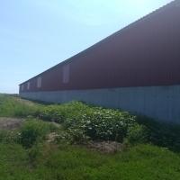 AMPLASAMENT GRĂDIȘTEA (Teren extravilan - arabil în suprafață de 27.029 mp; Teren intravilan - curți construcții, în suprafață de 15.998 mp; 19 de construcții, platforme și alei betonate)