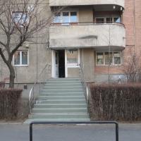 APARTAMENT 2 CAM BRAȘOV, Str. Toamnei, nr. 18, bl. 2, sc. A