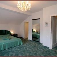 Hotel Rina Tirol cu 56 camere in Poiana Brasov